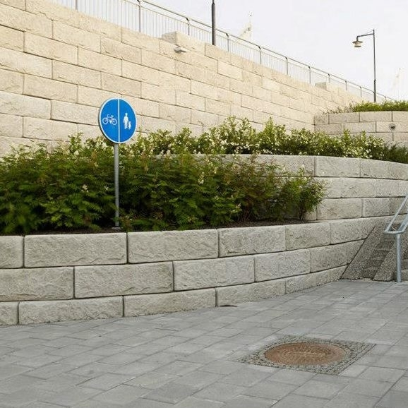 skude mur